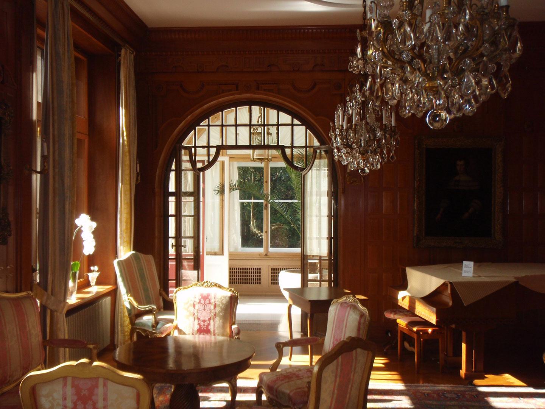 Schreinerei Eigenmann restauriert schützenswerte und erhaltenswerte Objekte aus Holz und Massivholz, wie Fenster, Parkette, Täfer, Türen und Möbel