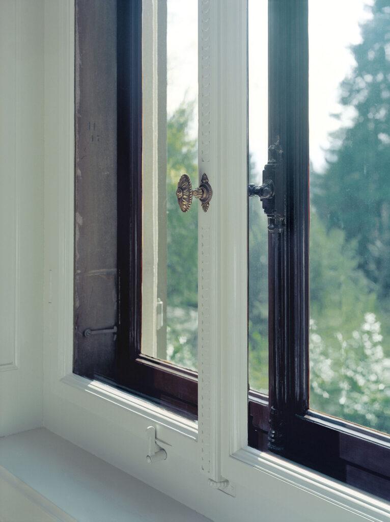 Holzfenstersanierung von unter Denkmalschutz stehenden Objekten durch die Schreinerei Eigenmann, Schweiz