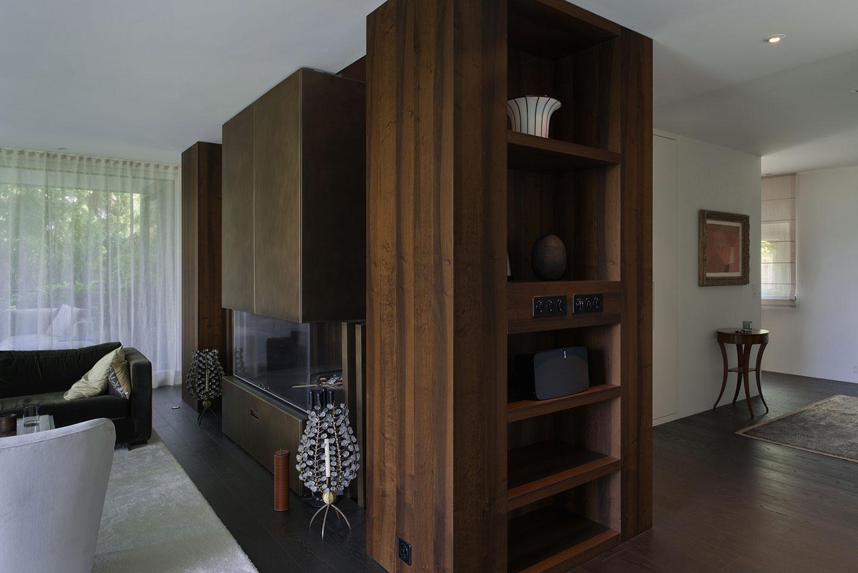 Möbelanfertigungen nach Wünschen und Vorstellungen des Kunden aus massiven Holz in einer Privatvilla in der Schweiz durch die Schreinerei Eigenmann AG