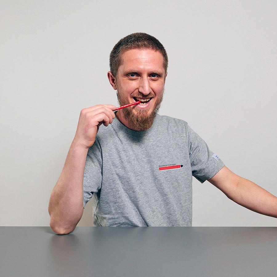 Sami Sabedini, Maler und Mitarbeiter der Schreinerei Eigenmann AG