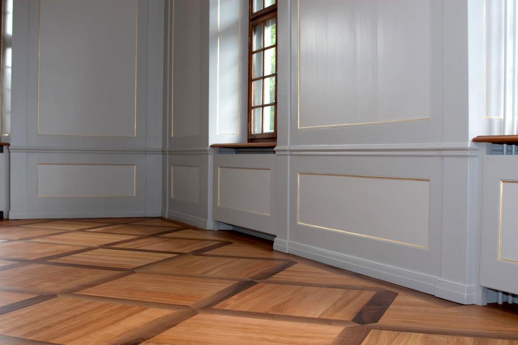 Arbeiten an Holzparkett, wie Aufhellung, Aufarbeitung und Restaurierung bietet die Schreinerei Eigenmann, Schweiz, an