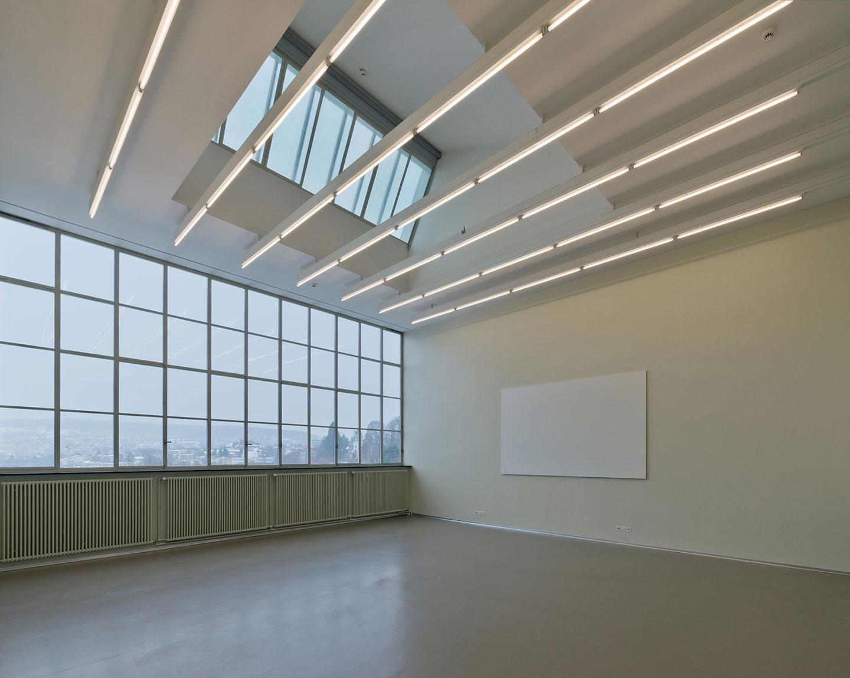 Allgemeine Berufsschule Zürich: Gesamtsanierung bauzeitlicher Originalfenster durch die Schreinerei Eigenmann AG