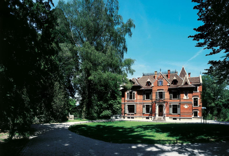 Villa Schönberg, Sanierung von Holzfenstern und -läden, Schreinerei Eigenmann