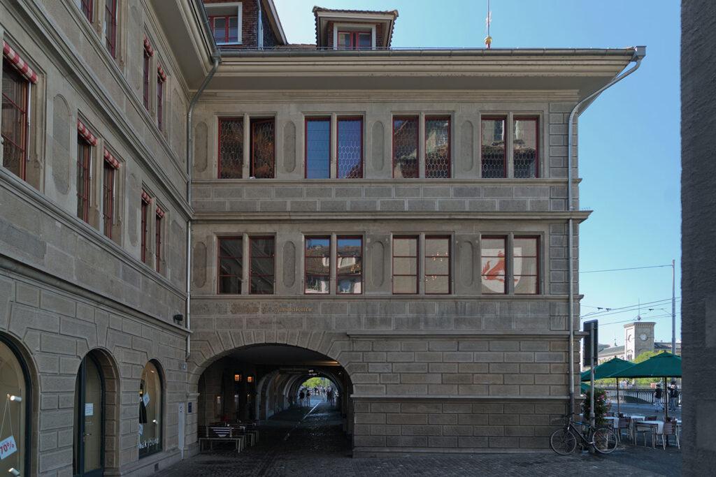 Referenzobjekt: Die Schreinerei Eigenmann AG hat den Wiederaufbau und Erhalt der Zunft zur Zimmerleuten in Zürich nach dem Brand ganzheitlich betreut